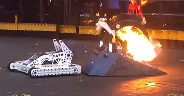 MyBotRobot juegos de lucha de robots en BattleBots Fuego