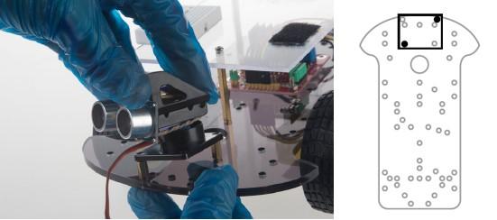 Colocación del sensor de ultrasonidos en la base del robot del kit montaje arduino, paso 5-6
