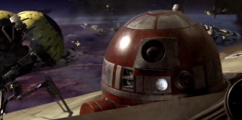 Droides Star Wars R4-P17 atacado por droides zumbadores